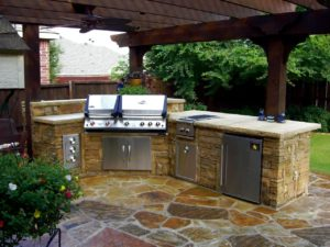 outdoor kitchen with concrete stone